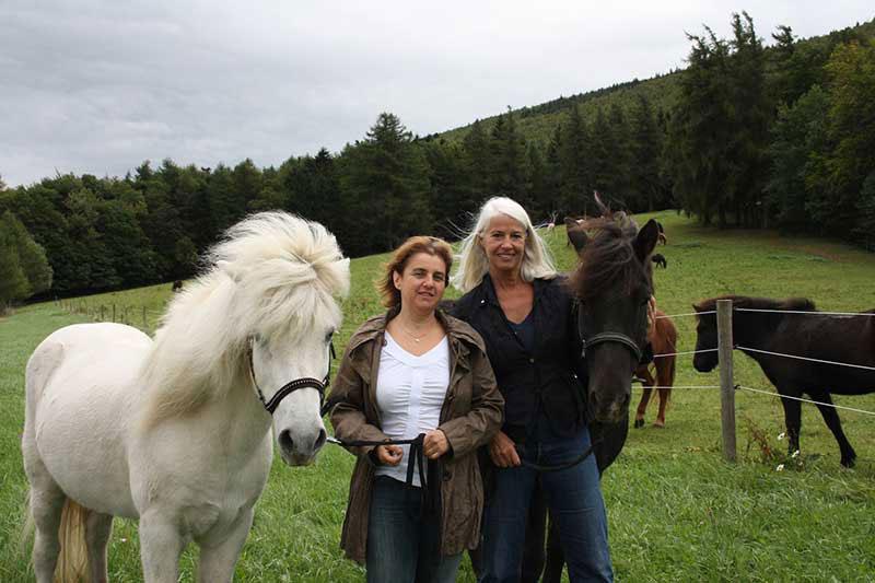 frauen lieben pferde